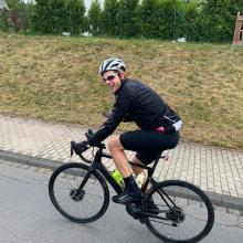 Bastian Albers mit dem Fahrrad auf den Mount Everest